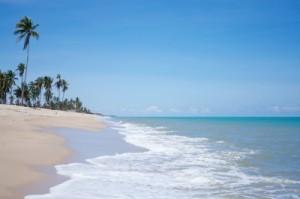 Pláž v březnu u moře
